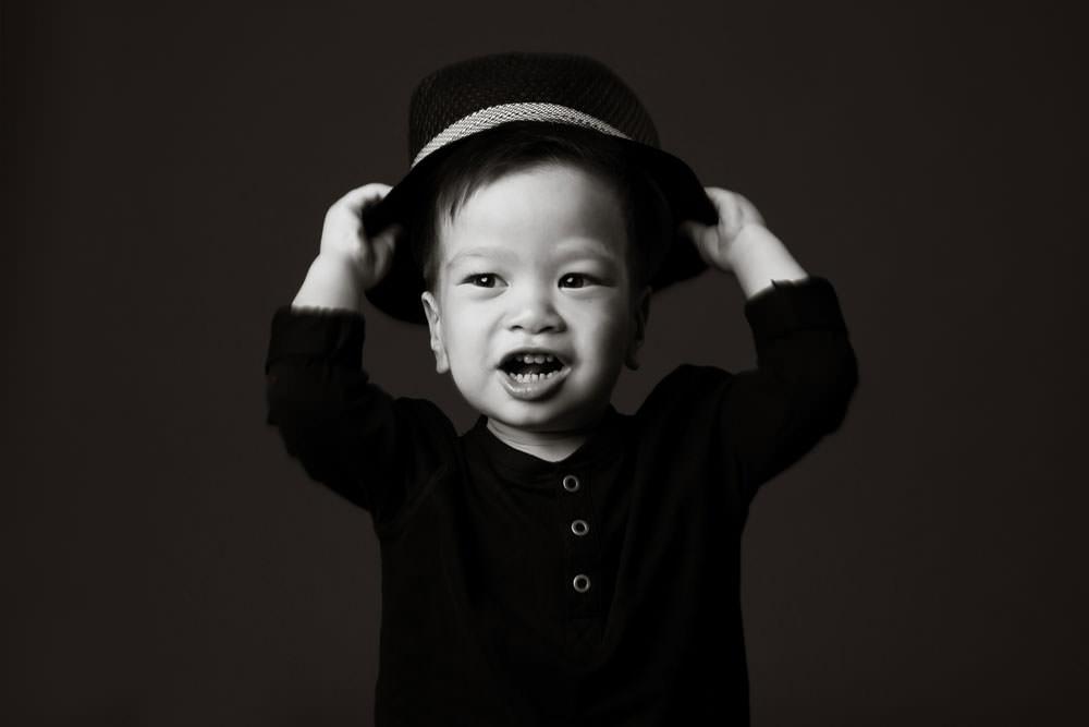 family-studio-newborn-photography-outdoor-photoshoot-003