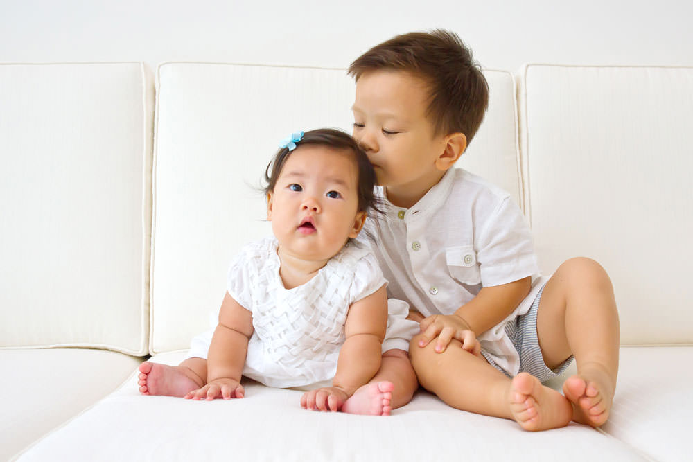family-studio-newborn-photography-outdoor-photoshoot-015
