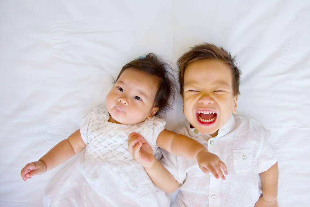 family-studio-newborn-photography-outdoor-photoshoot-016