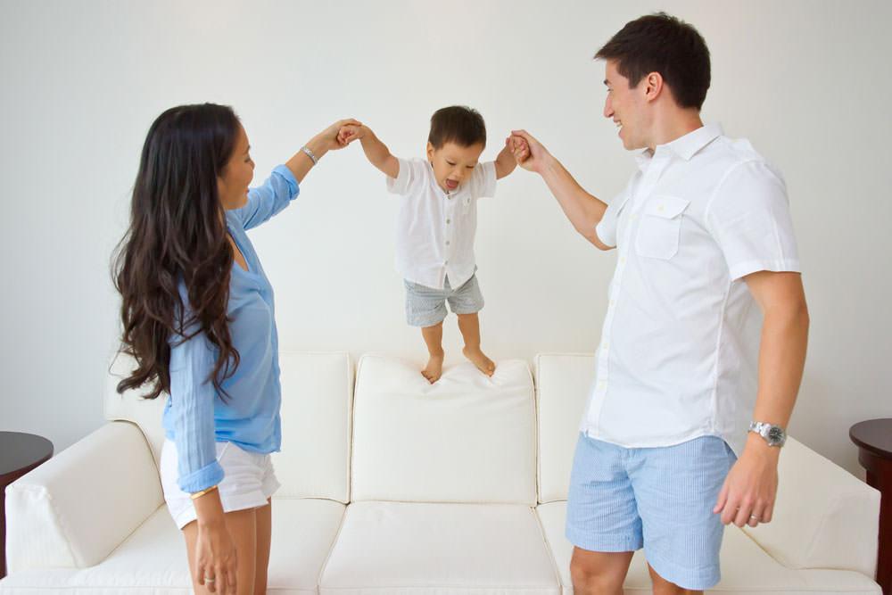 family-studio-newborn-photography-outdoor-photoshoot-017