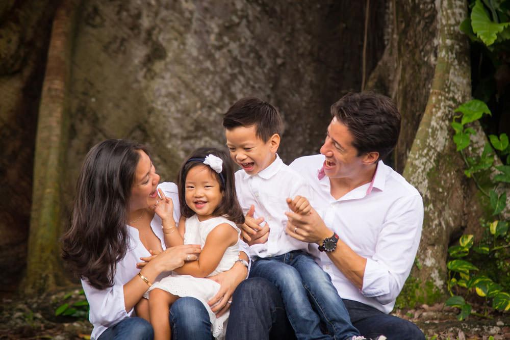 family-studio-newborn-photography-outdoor-photoshoot-022
