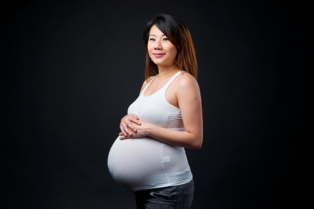 (www.bambiniphoto.sg) maternity studio photography singapore