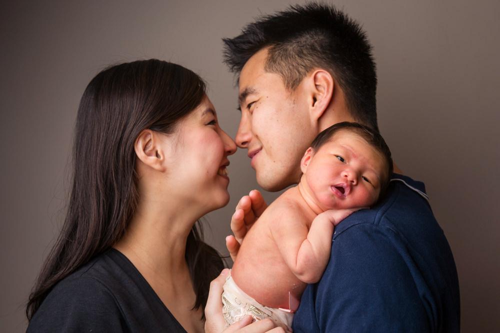 (www.bambiniphoto.sg) newborn home photography singapore