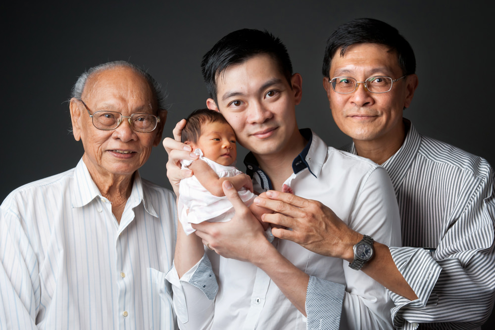 (www.bambiniphoto.sg) newborn family studio photography singapore