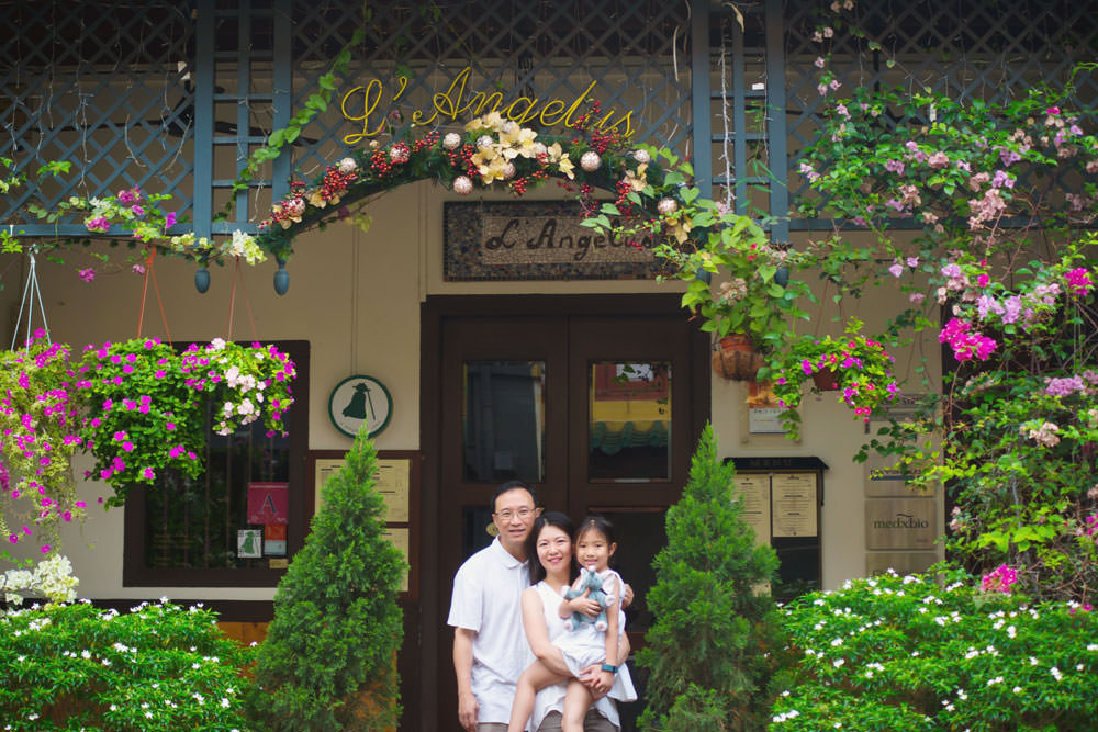 outdoor-family-photoshoot-ann-siang-hill-club-street-001