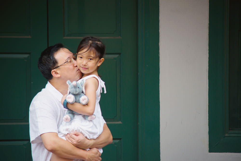 outdoor-family-photoshoot-ann-siang-hill-club-street-002