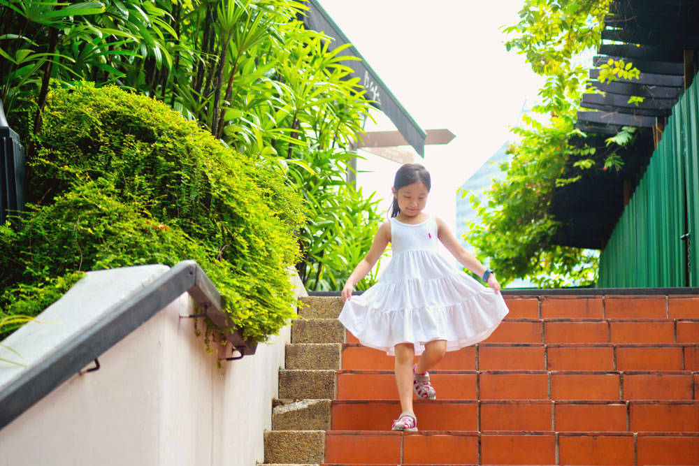 outdoor-family-photoshoot-ann-siang-hill-club-street-005