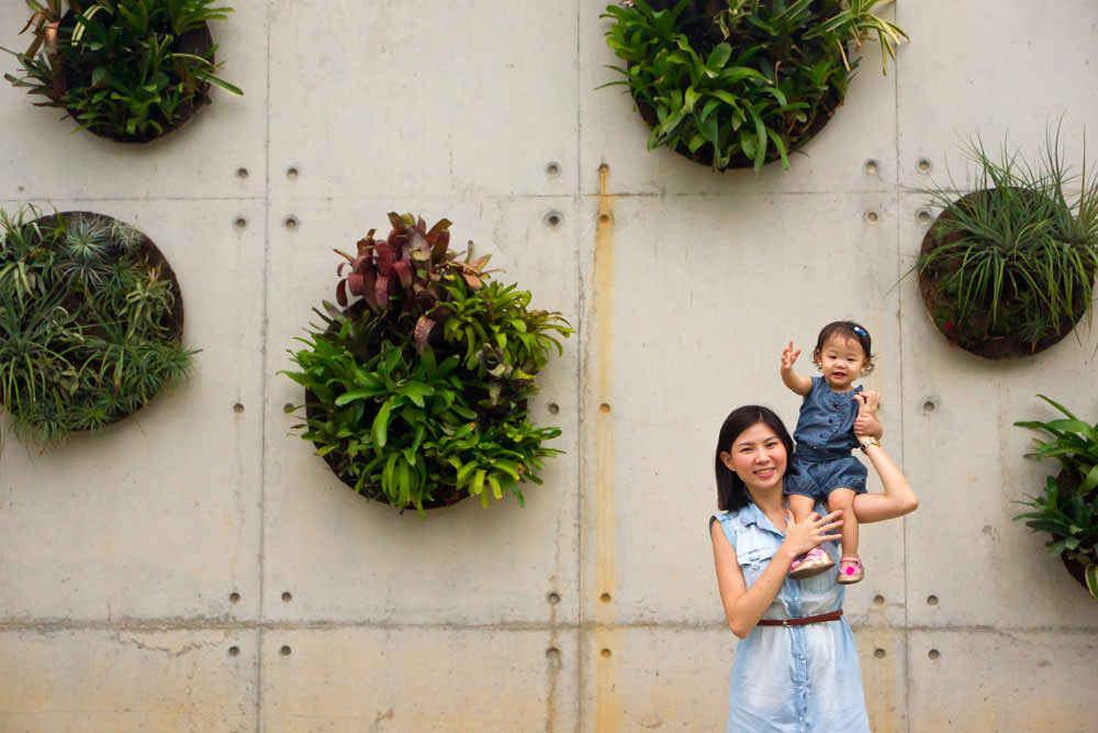 outdoor-family-photoshoot-gardens-by-the-bay-005